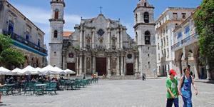 Tour a pie por la Habana Vieja. Descubre sus bellezas