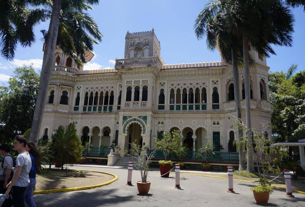 Cienfuegos Cuba Casa Particular Bandbcuba