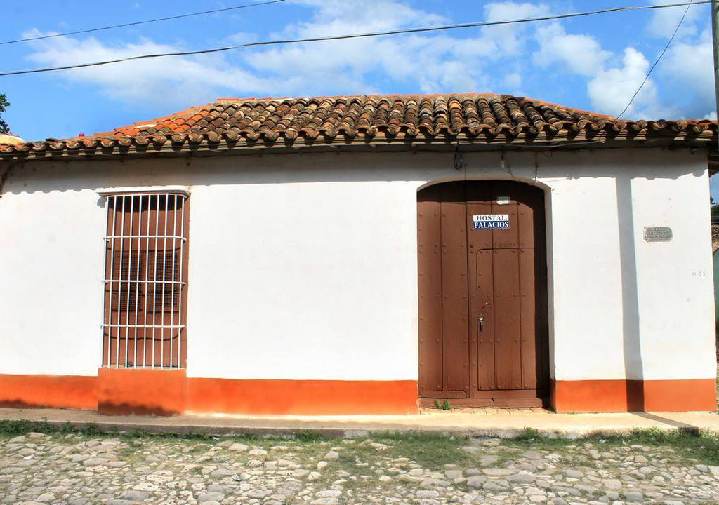 hostal palacios casa particular trinidad cuba. Black Bedroom Furniture Sets. Home Design Ideas