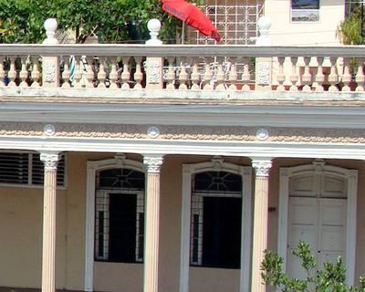 Fachada de PradoCenter Cienfuegos, Cuba