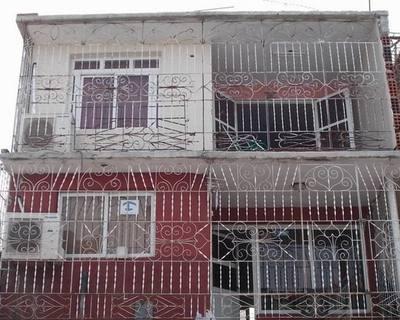 Fachada del Hostal Casa Guill, en Bayamo.
